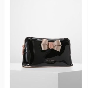Ted Baker mameup bag